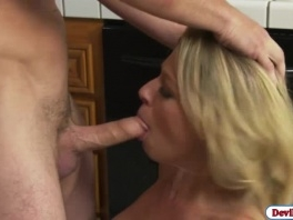 Blonde babe Zoe Monroes squirts while fucking picture slut