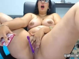 Chubby cutie big tits has orgasm rubbing clit and bush picture slut