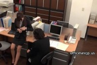 Asian amateur hottie has sex at the office