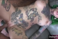 Ho with lots of big tattoos on her body gets pussy creampie picture slut